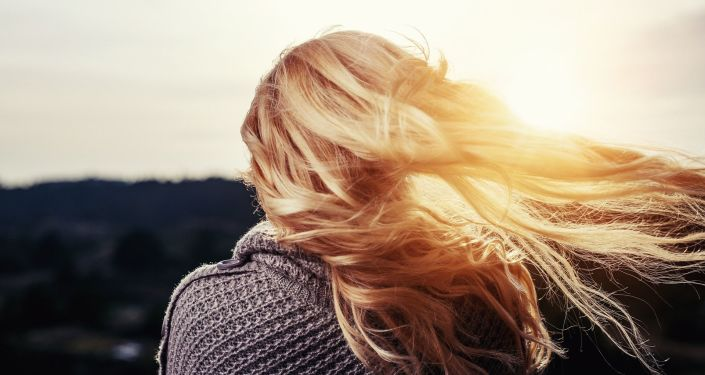 Une blonde (image d'illustration)