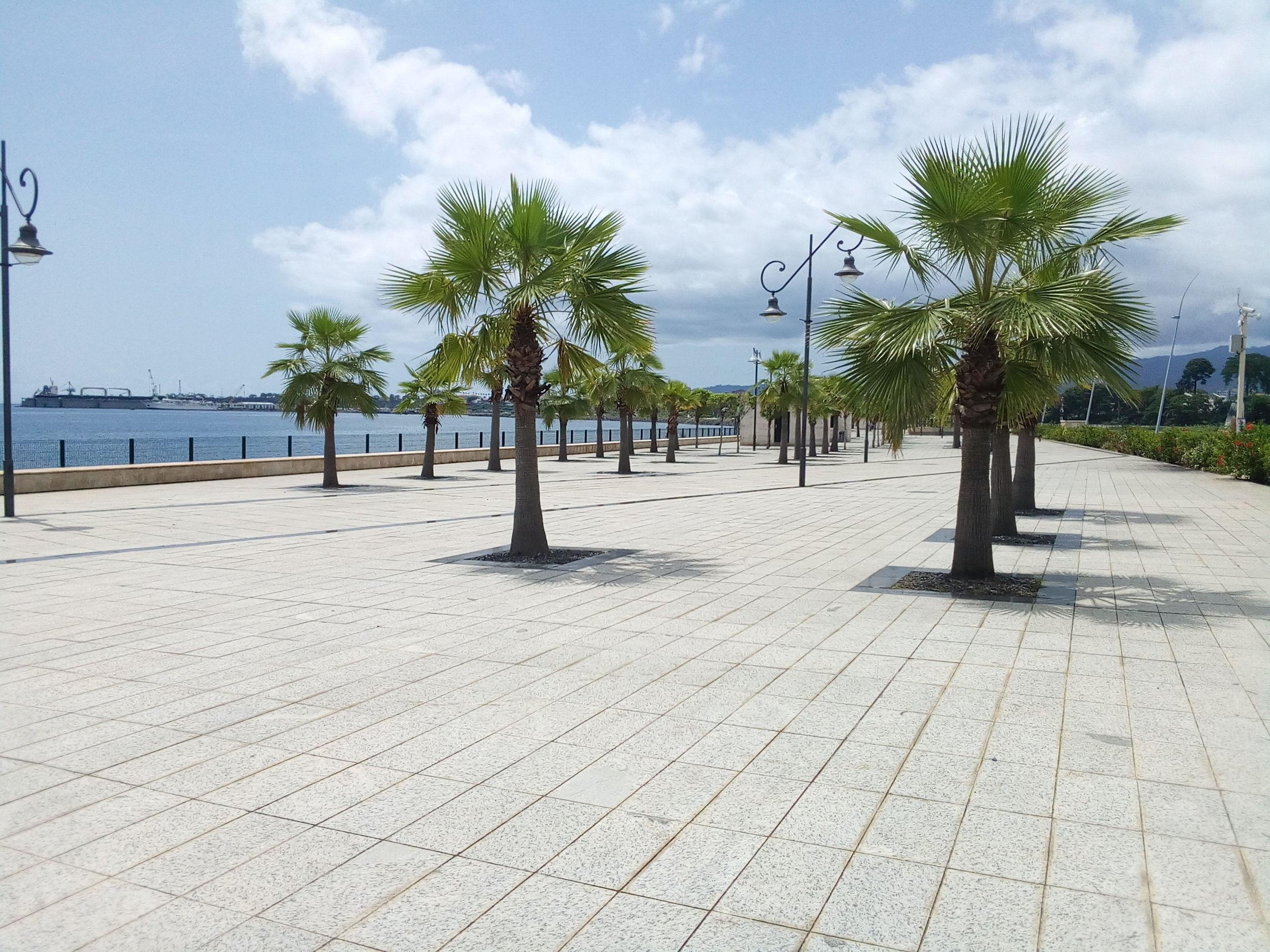 Le bord de mer de Malabo, localement appelé «Paseo Maritimo»