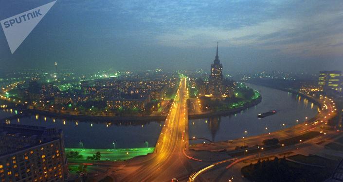 Panorama de Moscou. Vue de l'hôtel Ukraine, 1996