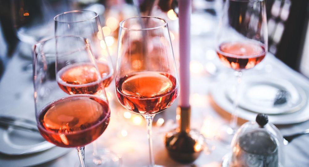 Du vin (image d'illustration)