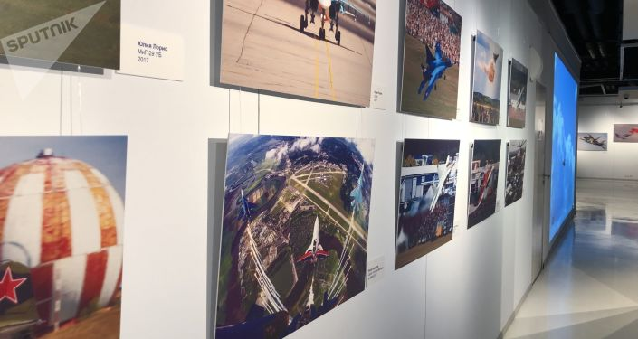 Une exposition de photos consacrées à l'aviation et au Salon international aérospatial de Moscou MAKS