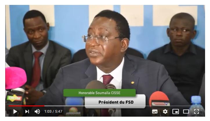 Soumaïla Cissé, chef de file de l'opposition malienne, lors d'une conférence de presse à Bamako le 13juin2019