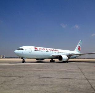 L'avion de l'Air Canada