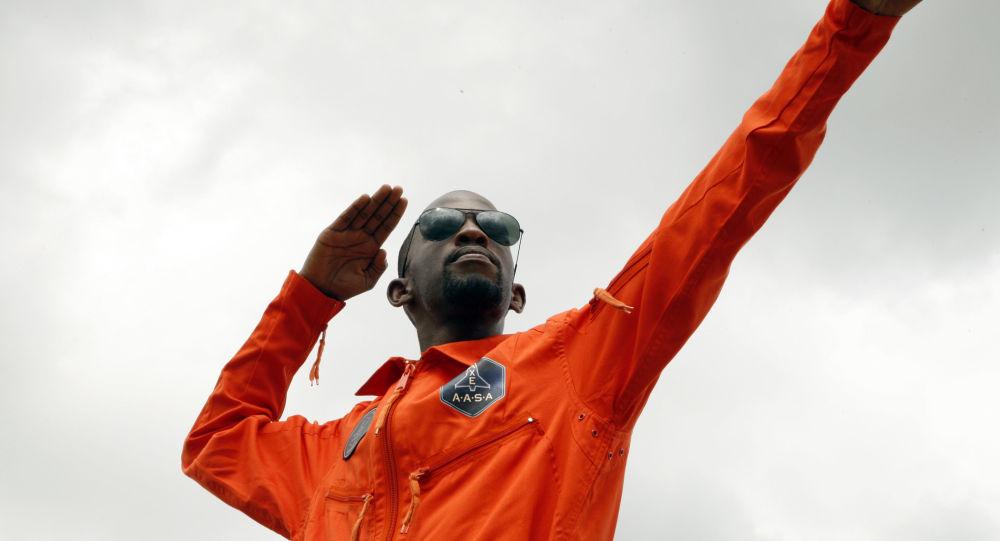 L'«afronaute», l'homme qui aurait dû devenir le premier Noir africain dans l'espace, trouve la mort