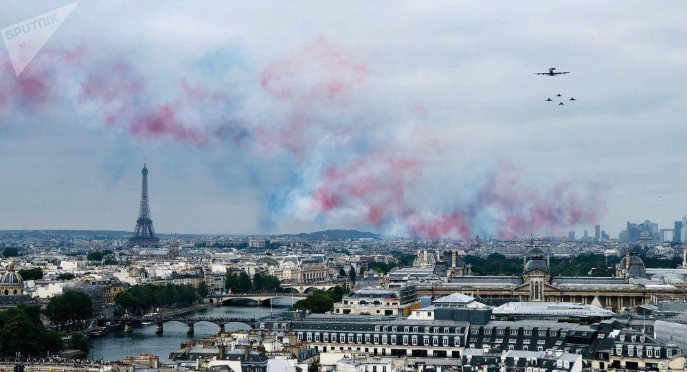 France : Les militaires convoitent la