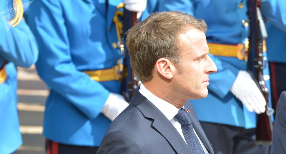 Emmanuel Macron entame une visite dans les Balkans pour apaiser les tensions