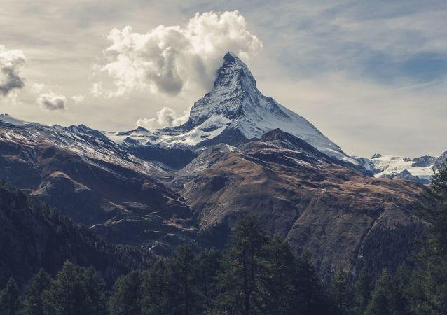Les Alpes suisses (images d'illustration)