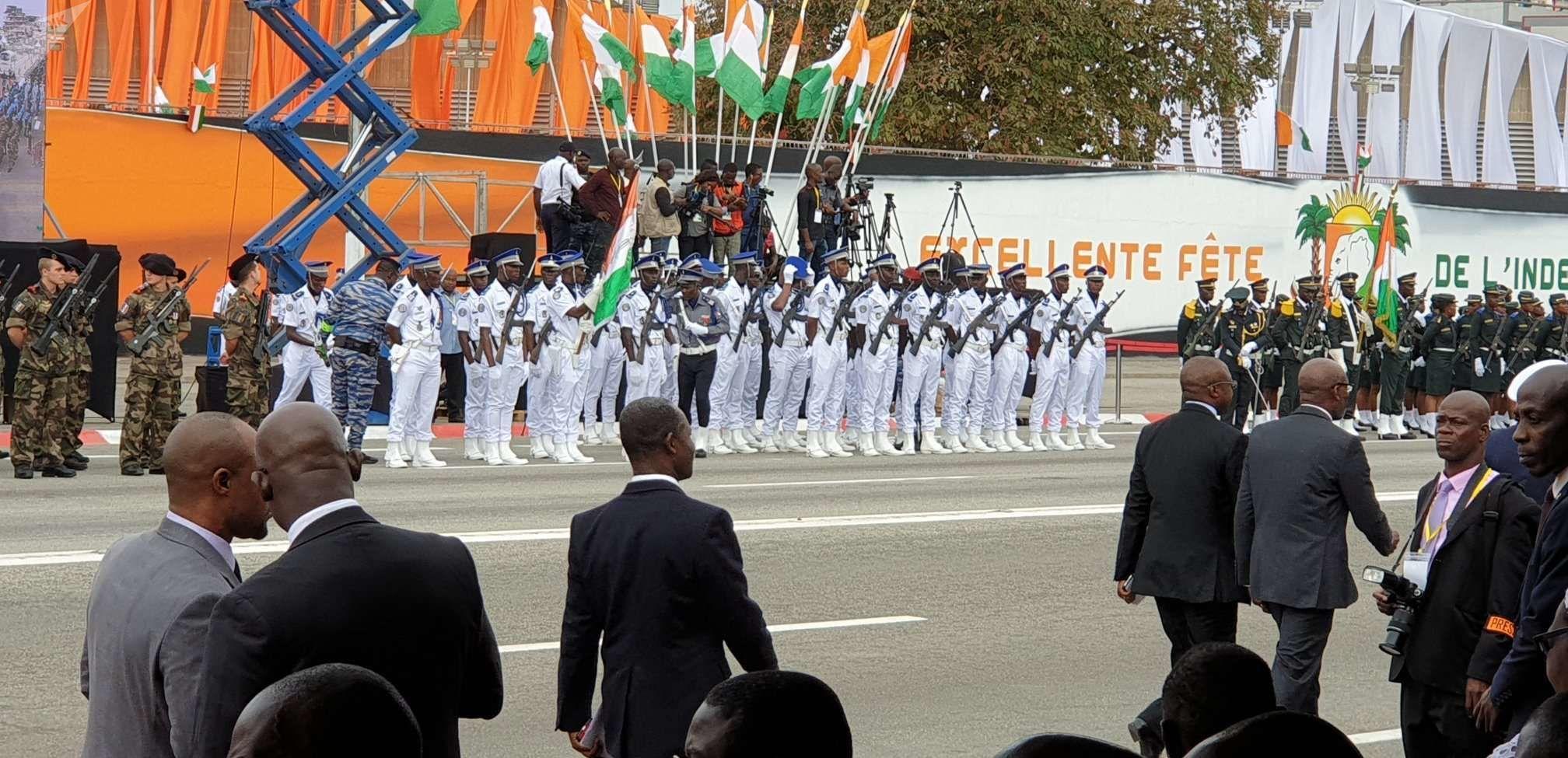 Un détachement de la gendarmerie ivoirienne se prépare au défilé du 7 août à Treichville