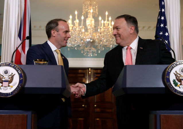 Dominic Raab et Mike Pompeo