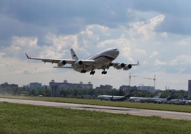 Un Iliouchine Il-96 du groupe aérien spécial russe Rossia (archive photo)