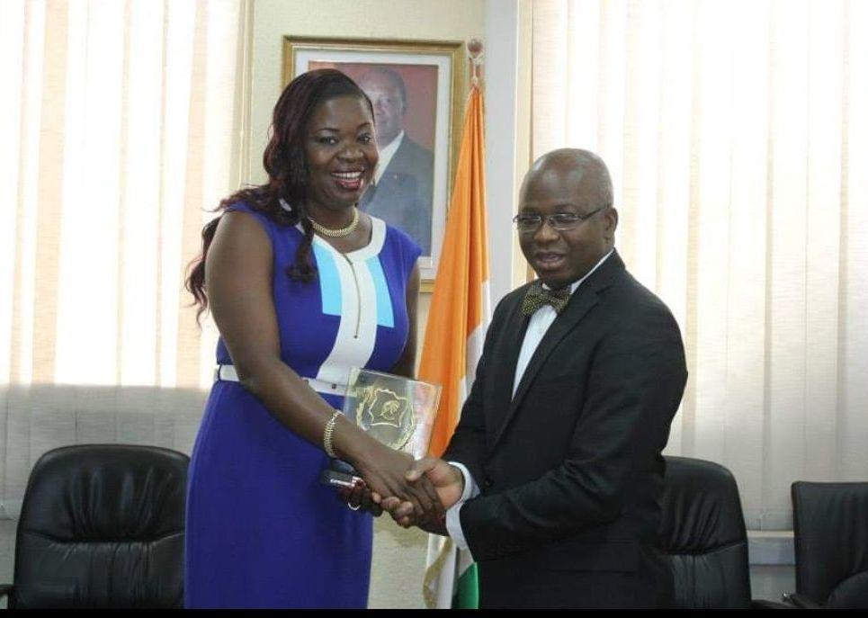 Le prix d'excellence Alassane Ouattara reçu en 2014