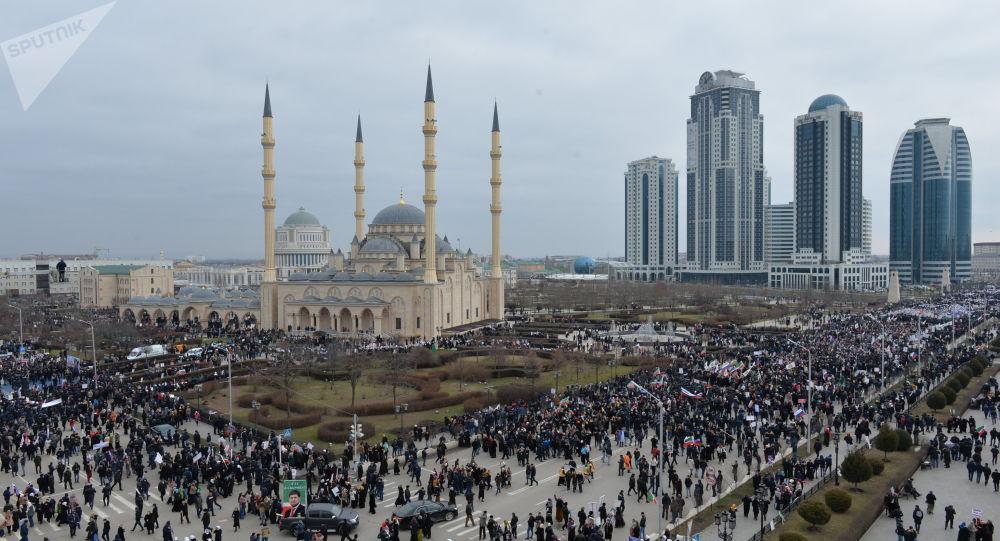 La mosquée Akhmad Kadyrov, l'un des principaux édifices islamiques à Grozny