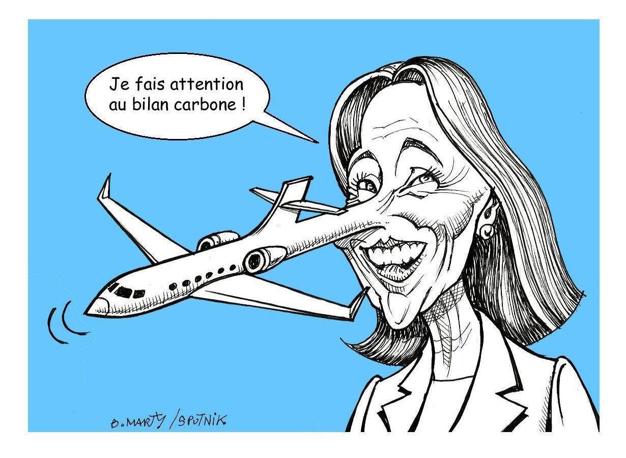 Ségolène Royal a du mal à justifier son aller-retour en Islande en jet privé