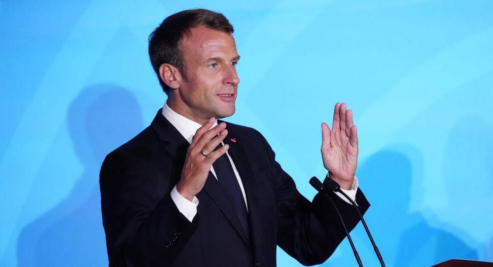 Emmanuel Macron explique ce qui pourrait conduire à «une guerre civile»
