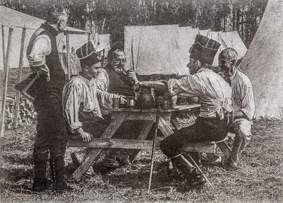 Des Français dans leur camp, un oléotype d'Olga Kalachnikova, auteure du livre «Marche de l'armée de Souvorov dans les Alpes»