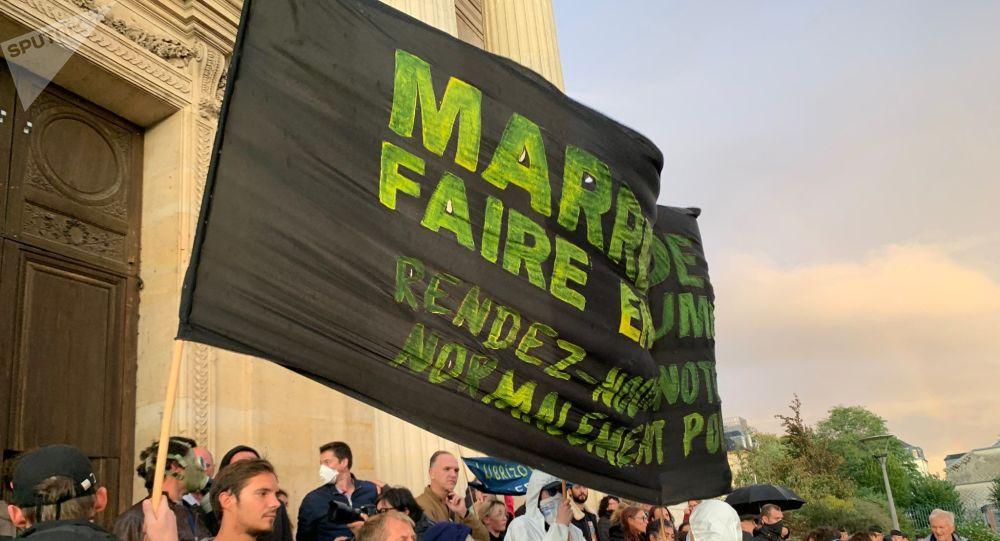 Une manifestation à Rouen, après l'incendie de Lubrizol, le 1 octobre
