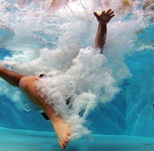 la piscine (image d'illustration)