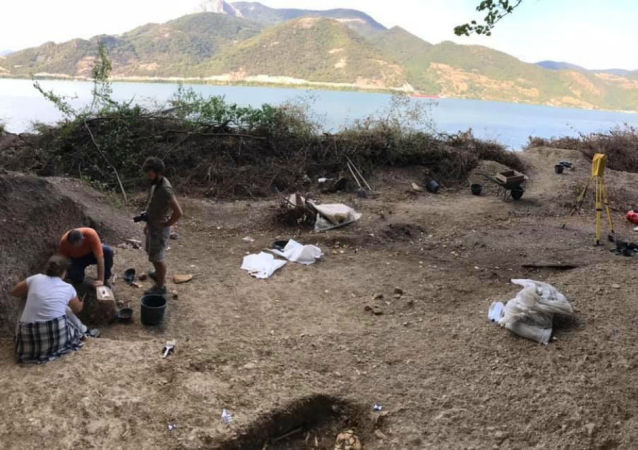 Fouilles archéologiques dans la gorge de Djerdap à trois kilomètres de Lepenski Vir