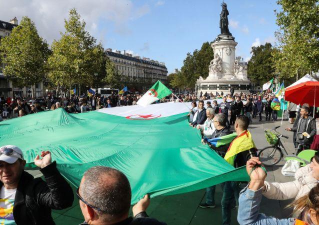 Une manifestation de la diaspora algérienne à Paris, le 6 octobre 2019