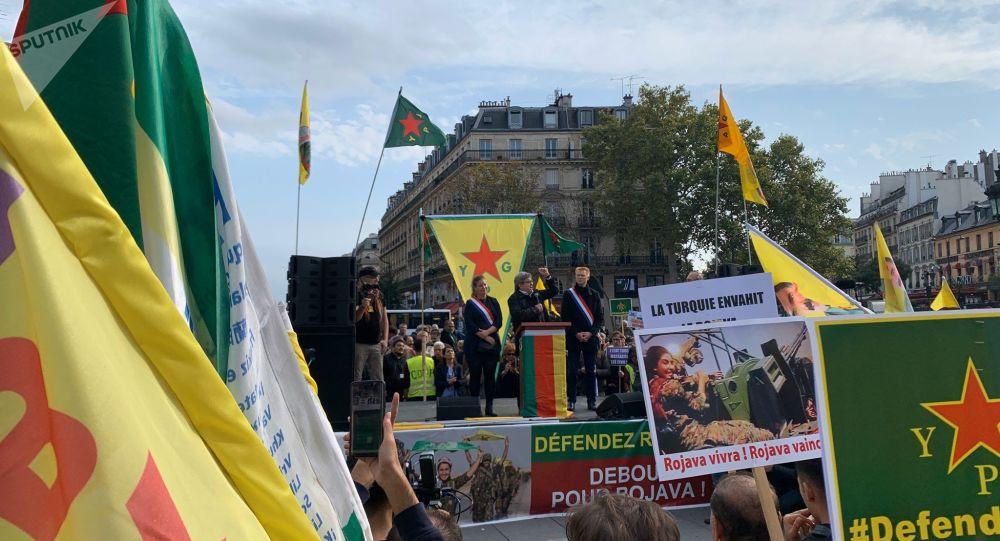 Les kurdes à la place de la République, 12 octobre