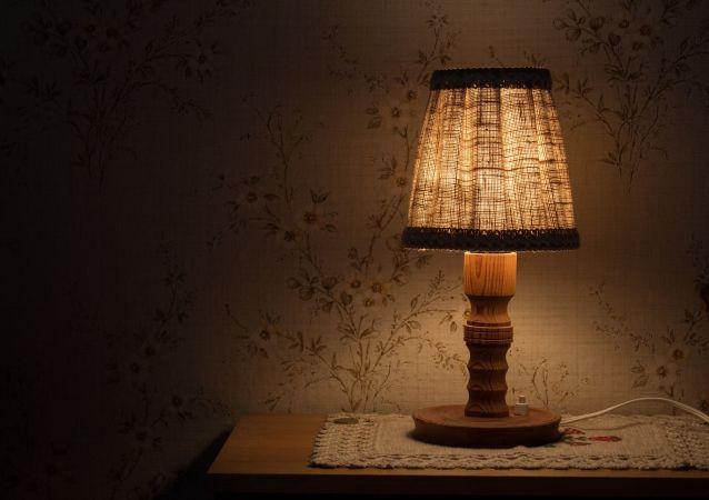 une lampe de chevet