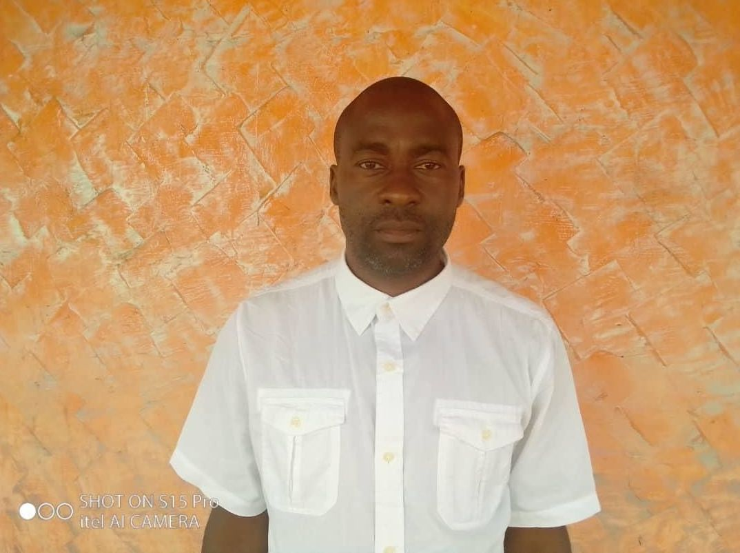 Éric Yombi, spécialiste des relations internationales