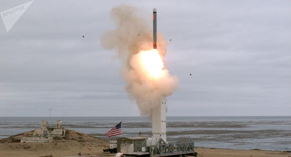 Un test d'un missile de moyenne portée américain