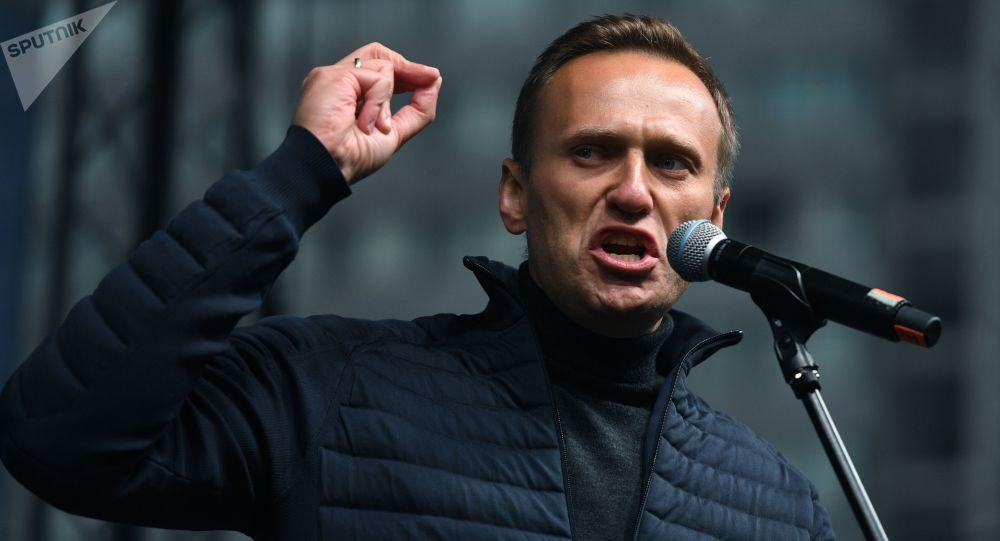 Navalny souhaite revenir en Russie dès qu'il se sera rétabli, affirme le New York Times