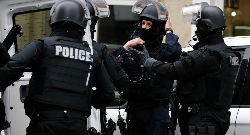 Un chauffeur décède alors qu'il fonçait sur des policiers — Rennes