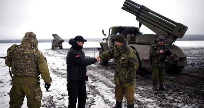 Kiev pilonne le Donbass: les USA et l'UE ferment les yeux (Moscou)