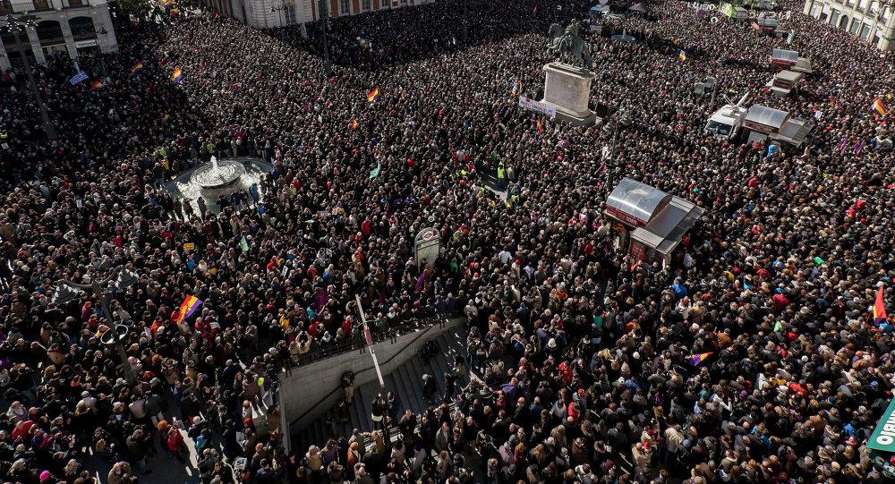Espagne: des milliers de personnes manifestent contre l'austérité à Madrid