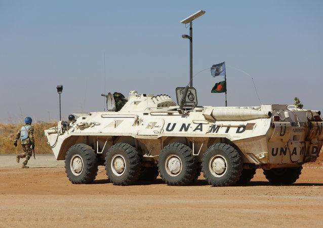 Un véhicule de la Minuad au Darfour