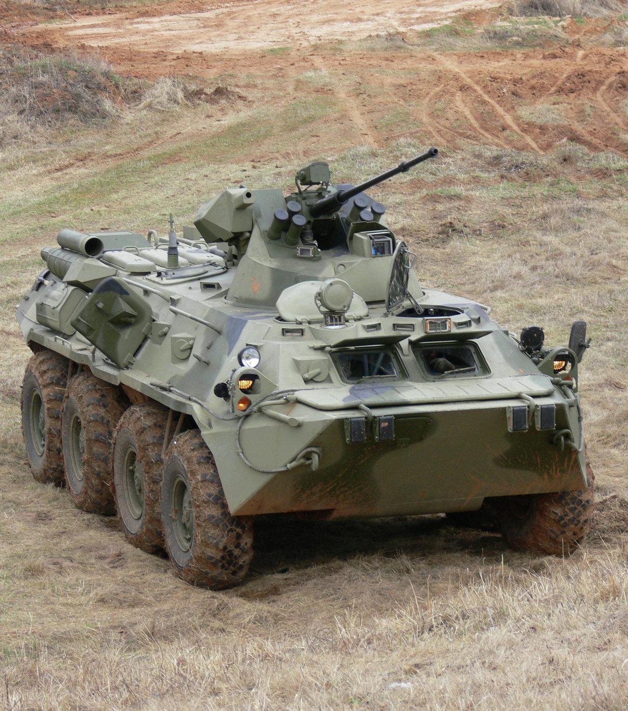 Le blindé de transport de troupes à roues BTR-80