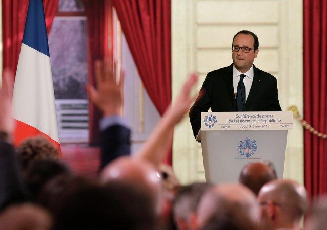 François Hollande répond aux questions des journalistes
