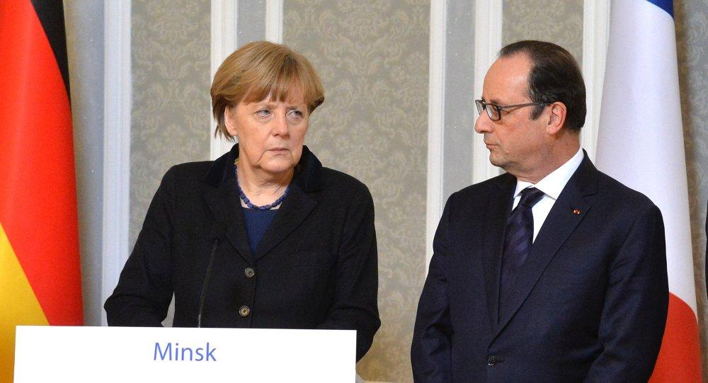 La chancelière allemande Angela Merkel et le président français François Hollande lors d'une conférence de presse à Minsk
