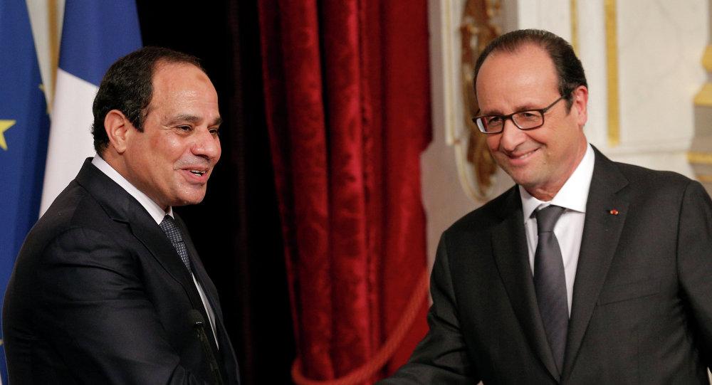 Les présidents français et égyptien François Hollande et Abdel Fattah al-Sissi après une conférence de presse à Paris (Archives)