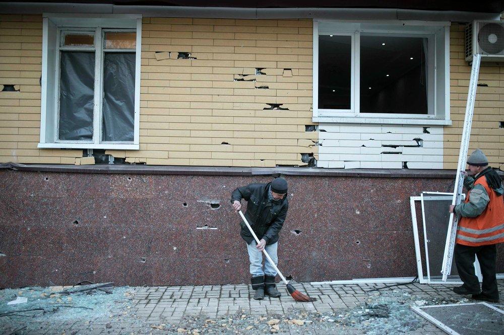 Donbass: les premières heures du cessez-le-feu