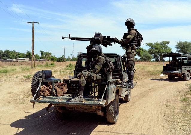 Des soldats camerounais patrouillent au nord du Cameroun