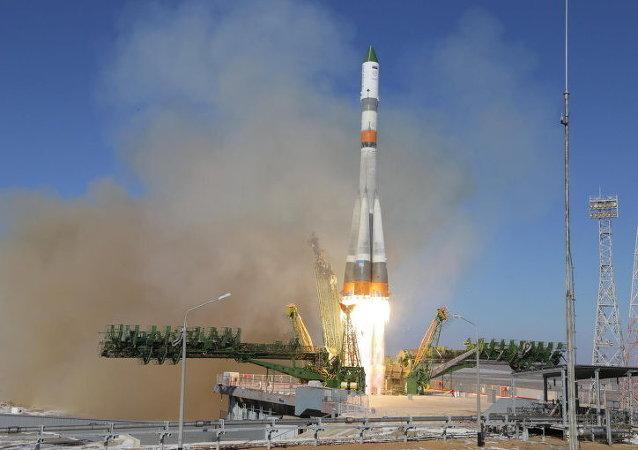 Lancement d'une fusée Soyouz avec un cargo Progress (archives)