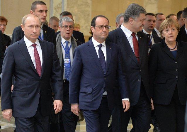 Vladimir Poutine, François Hollande, Piotr Porochenko et Angela Merkel à Minsk (archives)