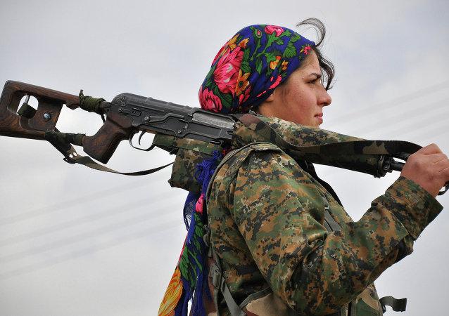 Une combattante yézidie