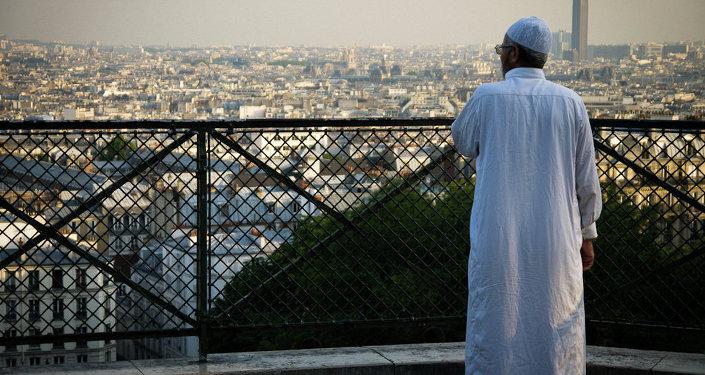 Un musulman à Montmartre à Paris