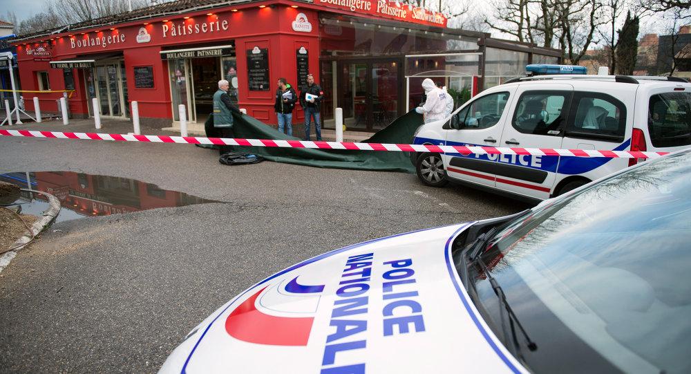 Policiers sur les lieu du meurtre à Marignane
