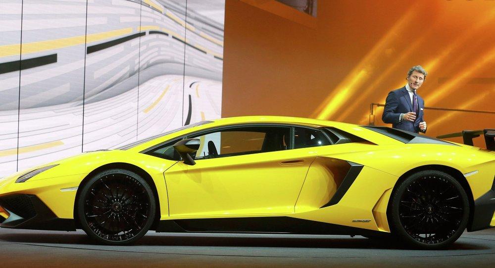 Une Lamborghini Aventador au Salon de Genève en 2015