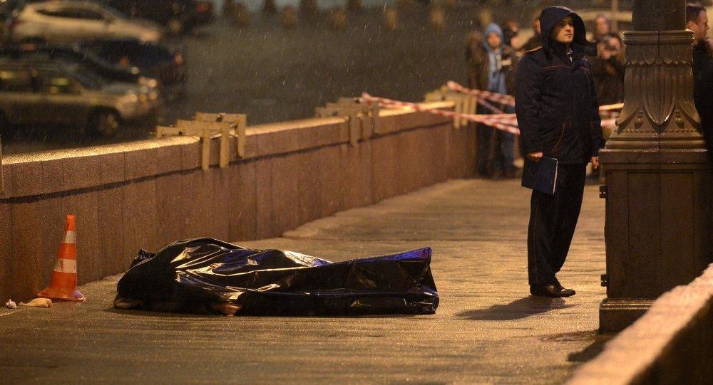 Sur les lieux de l'assassinat del'opposant russe Boris Nemtsov, devant le Kremlin