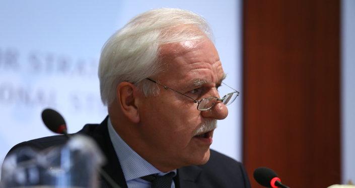 Andrzej Olechowski