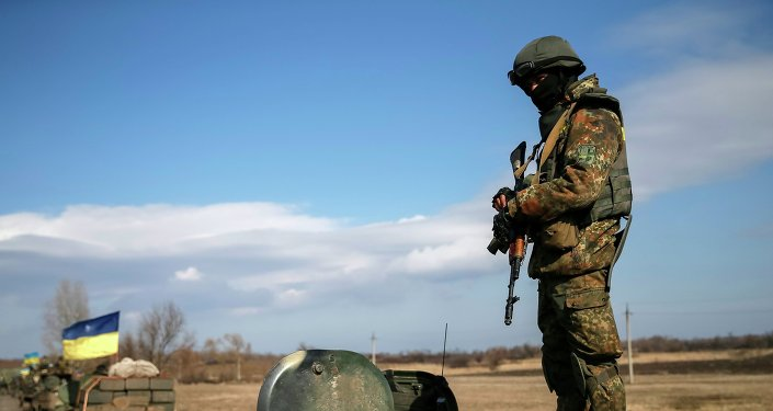 Forces armées ukrainiennes quittent la région de Debaltsevo à Blagodatne le 27 février 2015