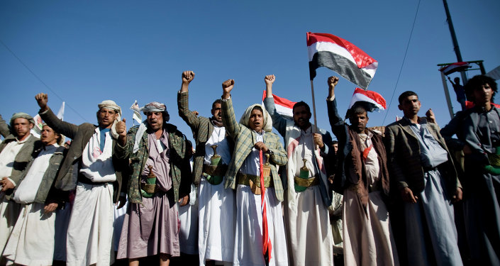 Combattants houthis à Sanaa