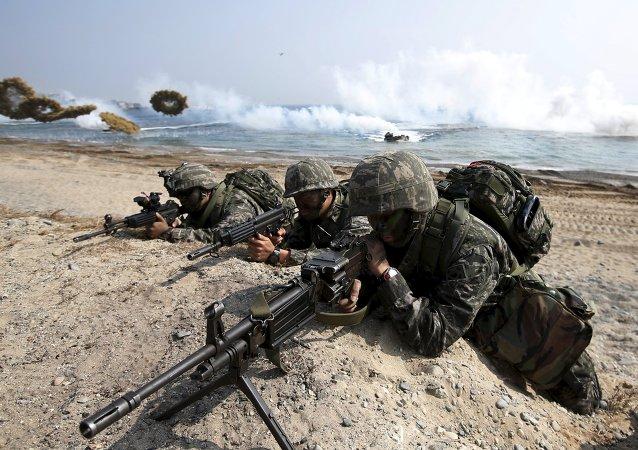 Foal Eagle: les fusiliers marins sud-coréens et américains à l'entraînement