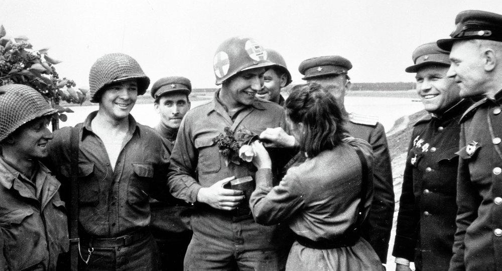 Rencontre sur l'Elbe, 1945